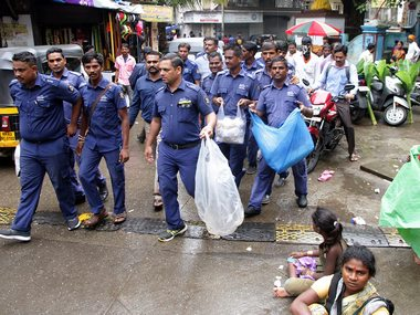 Noida cracks down on illegal use of plastic carry bags fine of Rs 1000 imposed on vendors who defy order