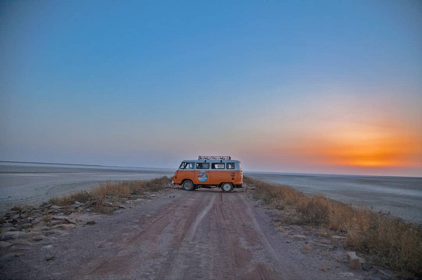 Caravan Chronicles Fortuitous breakdowns and spellbinding sunsets from Gujarat to Rajasthan