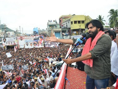 Pawan Kalyan realigns with BJP with eye on 2024 Actorturnedpolitico playing long game against Jagan Mohan Reddy