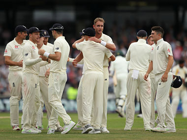 Cricket - England v Pakistan - Second Test - Emerald Headingley Stadium, Leeds, Britain - June 3, 2018 England's Stuart broad and team mates celebrate the fall of Pakistan's final wicket Action Images via Reuters/Lee Smith - RC1F8C3F7150