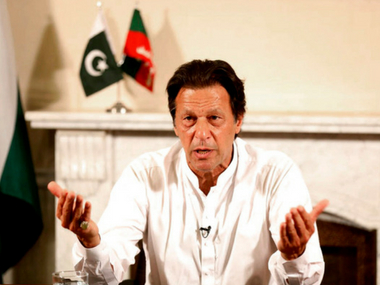 Imran Khan says he will take oath as Pakistan PM on 11 August PTI struggles to get numbers to form govt