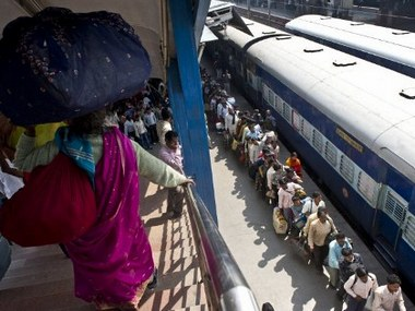 Central Railway shuts Matunga railway station footoverbridge after finding cracks in it