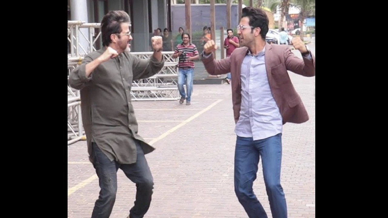 Rajkummar Rao replicates Anil Kapoors signature step from Ram Lakhan during Fanney Khan promotions