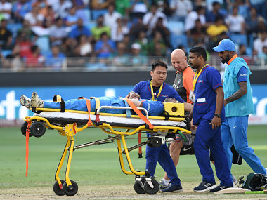 Indian cricketer Hardik Pandya is carried on a stretcher after getting injured during the one day international (ODI) Asia Cup cricket match between Pakistan and India at the Dubai International Cricket Stadium in Dubai on September 19, 2018. / AFP PHOTO / Ishara S. KODIKARA