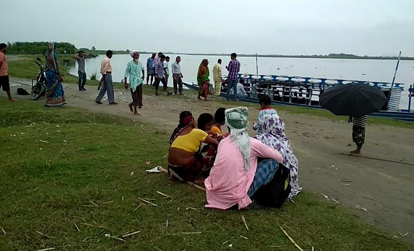 Several Assam districts along Brahmaputra impose blanket ban on mechanised boats thousands left high and dry