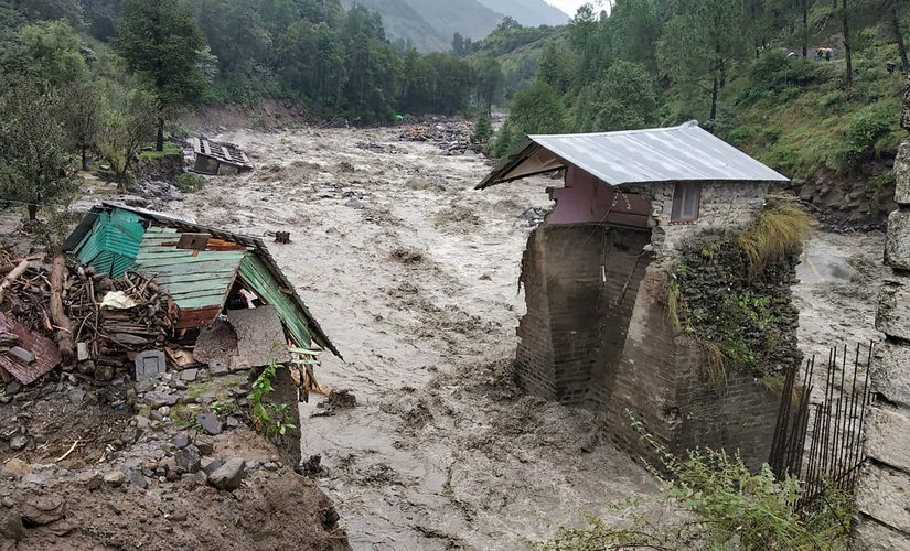Heavy rains snowfall lash parts of north India several dead in Himachal Pradesh chardham yatra affected in Uttarakhand