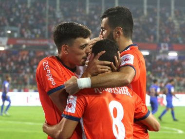 ISL 2018 ATK vs FC Goa Football Match Highlights ATK hold dominant visitors to goalless draw