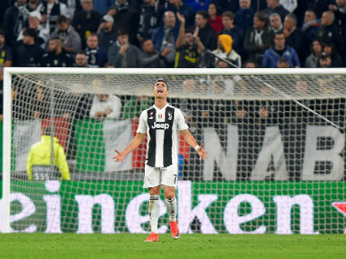 Serie A Juventus manager Maurizio Sarri not intervening in Cristiano Ronaldos free kick dilemma