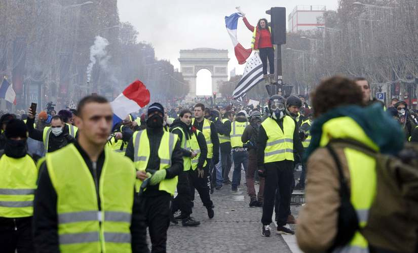In Frances Yellow Vest protests President Emmanuel Macron faces a problem without a defined purpose or prescription