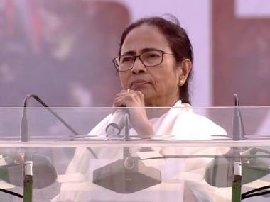 Mamata Banerjee responds to Modis remarks about gifting kurtas says he made a political issue out of courtesy