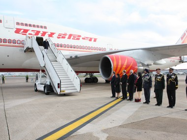 Centre to go ahead with Air India disinvestment Ministry of Civil Aviation says support from govt has led to improved performance
