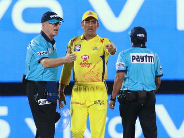 CSK MS Dhoni storms to the ground in the final over after a confusion over a no-ball between the two umpires. Sportzpics