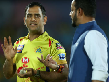 Star Sports presenter Murali Karthik (right) didn't ask any questions on MS Dhoni's argument with the on-field umpires. Sportzpics