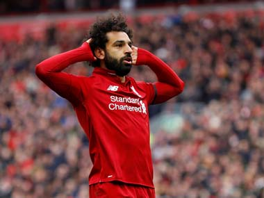 Premier League Liverpool hang on in title race as Mohamed Salah wonderstrike helps Reds get the better of Chelsea