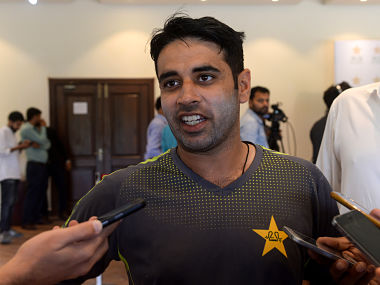 Pakistani cricketer Abid Ali speaks to media at the Gaddafi Cricket Stadium in Lahore on April 21, 2019. - Pakistan's newly selected opener Abid Ali on April 21 expressed confidence that despite strained political relations India's legendary batsman Sachin Tendulkar will give him a hug and a few batting tips at next month's World Cup. (Photo by ARIF ALI / AFP)