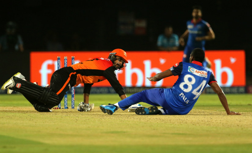 SRH's Deepak Hooda is run out after a mid-pitch collision with Delhi Capitals' Keemo Paul in the Eliminator. Sportzpics