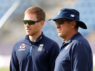 Cricket - England Nets - Sophia Gardens, Cardiff, Britain - June 15, 2018  England head coach Trevor Bayliss and Eoin Morgan during nets  Action Images via Reuters/Andrew Boyers - RC1665353CC0