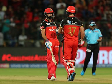 Virat Kohli and AB de Villiers apologised to the RCB fans for their disappointing show. Sportzpics