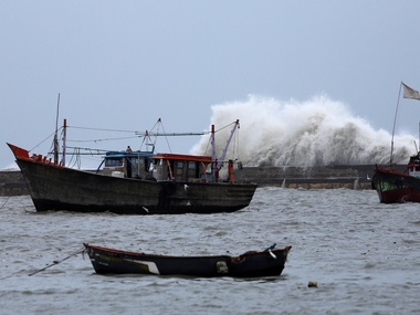 Cyclone Hikaa intensifies over northwest westcentral Arabian Sea MeT department advices Gujarat fishermen not to venture into sea