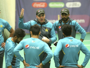 Reports of a rift between Pakistan coach Mickey Arthur and players started to surface after the team's losses to Australia and India. AP