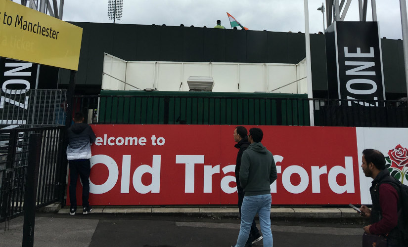 Fans enter the Old Trafford, where India stretched their unbeaten World Cup against Pakistan to 7-0. Image courtesy: Geoff Lemon