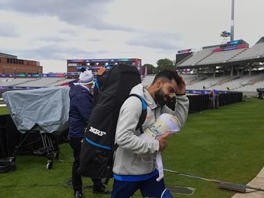 India's captain Virat Kohli arrives for a training session at Old Trafford Cricket Stadium in Manchester on June 15, 2019, ahead of the 2019 World Cup match between India and Pakistan. - Cricket fever gripped India ahead of a World Cup showdown with arch-rival Pakistan in a sporting matchup considered one of the world's fiercest. The South Asian neighbours, who share a history of brotherhood and bloodshed, will meet June 16, in a long-awaited group stage clash in Manchester. (Photo by Dibyangshu SARKAR / AFP) / RESTRICTED TO EDITORIAL USE