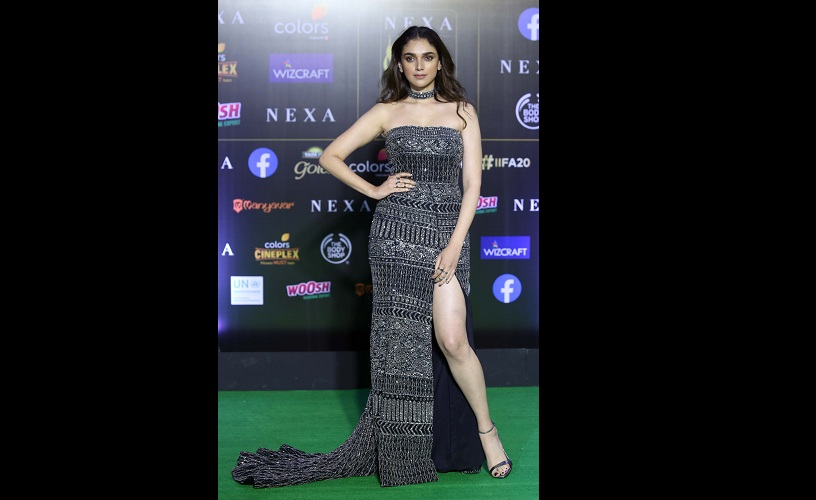 IIFA Awards 2019 From RanveerDeepika to Alia and Katrina heres what Bollywood celebs wore on the green carpet