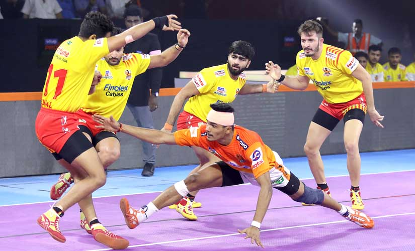 Pro Kabaddi 2019 Puneri Paltan begin home leg with win over Gujarat Fortunegiants Haryana Steelers continue impressive run
