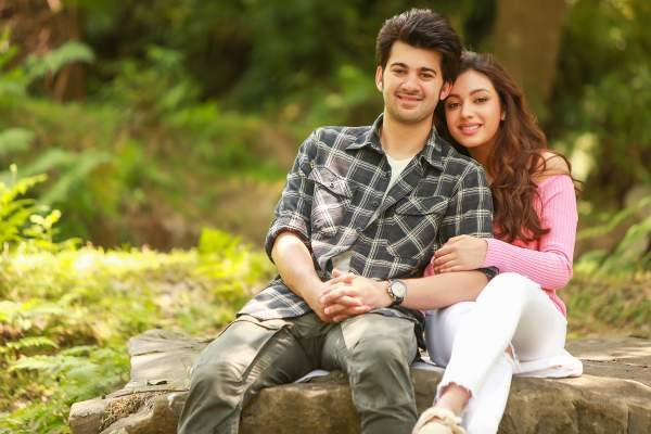 Fans shower love on Karan Deol
