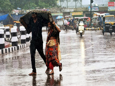 IMD predicts heavy rainfall over Jammu and Kashmir Himachal Pradesh shallow fog to engulf Delhi throughout the day
