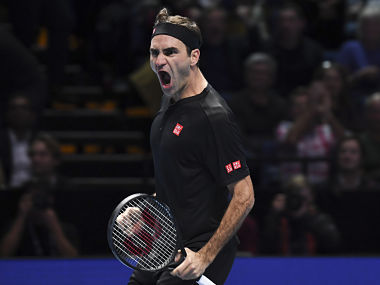 ATP Finals 2019 Roger Federer outclasses Novak Djokovic in straight sets to book spot in semifinal