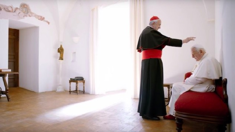 The Two Popes new trailer Anthony Hopkins Jonathan Pryce are both funny and philosophical in Netflix film