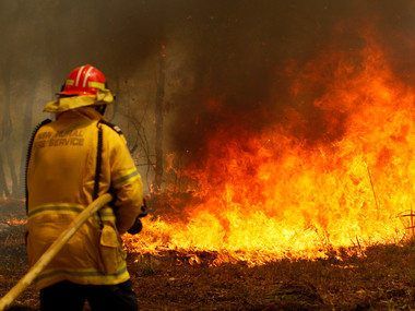 New South Wales wildfires claim lives of 2 firefighters 3 hospitalised blaze began amid unusually warm and dry winter