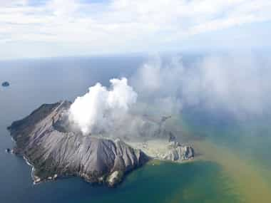 New Zealands White Island volcano One dead many missing eruption sends plume of steam ash about 12000 feet into air