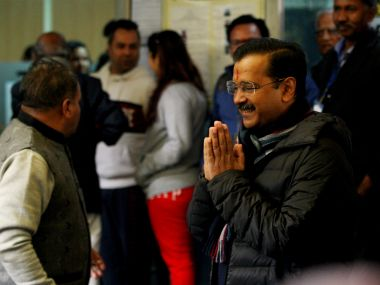 Arvind Kejriwal stakes claim to form govt oath taking ceremony at 10 am on Sunday AAP likely not to invite other leaders politicians