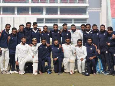 The triumphant Saurashtra team after winning their maiden Ranji Trophy title. Twitter @jitu_vaghani