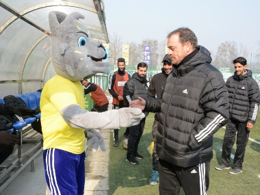 Coronavirus Outbreak Real Kashmir FC coach David Robertson to return home to Scotland after being stranded in Srinagar