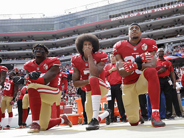 No kneeling US President Donald Trump renews criticism of protests during national anthem