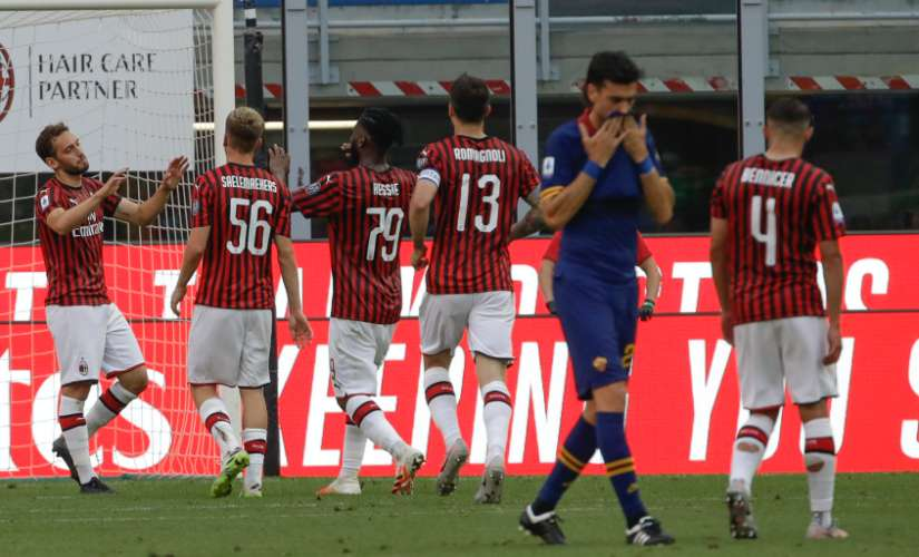 Serie A AC Milan pay tribute to <span class=
