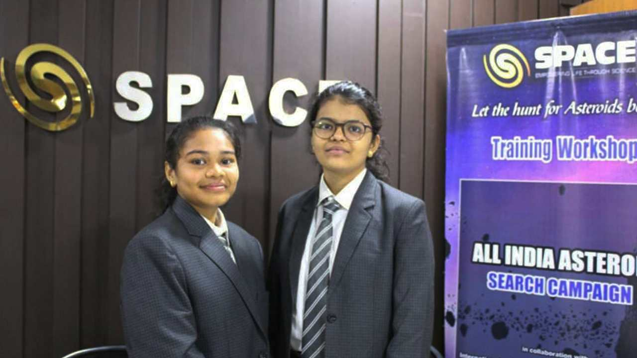 Wow! Two 14-year-old schoolgirls from Surat discover Earth-bound asteroid