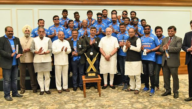 India men's blind cricket team with PM Narendra Modi during a meet.