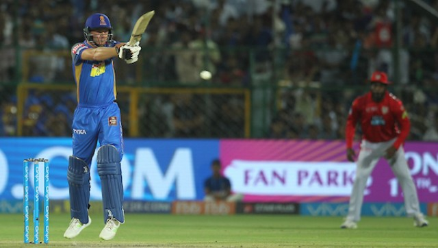 Dhoni praises Chennai 'Dads Army' after IPL win over Mumbai
