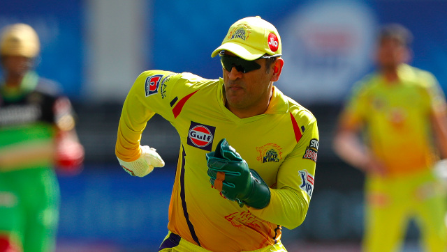 MS Dhoni in action during CSK's second IPL 2020 meeting with RCB. Sportzpics