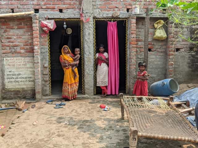 Bihar Elections Marooned by caste born poor children of Dalits turn recruits for touts trafficking migrant labour
