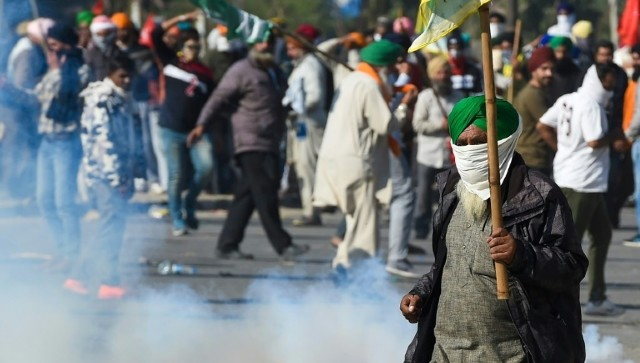 Farmers protest After days of clashes hundreds of farmers gather at Delhis Burari ground many still remain out