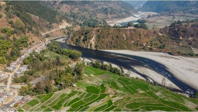 As Nepals Budhi Gandaki hydro project is put on hold flooding threatens lives of thousands
