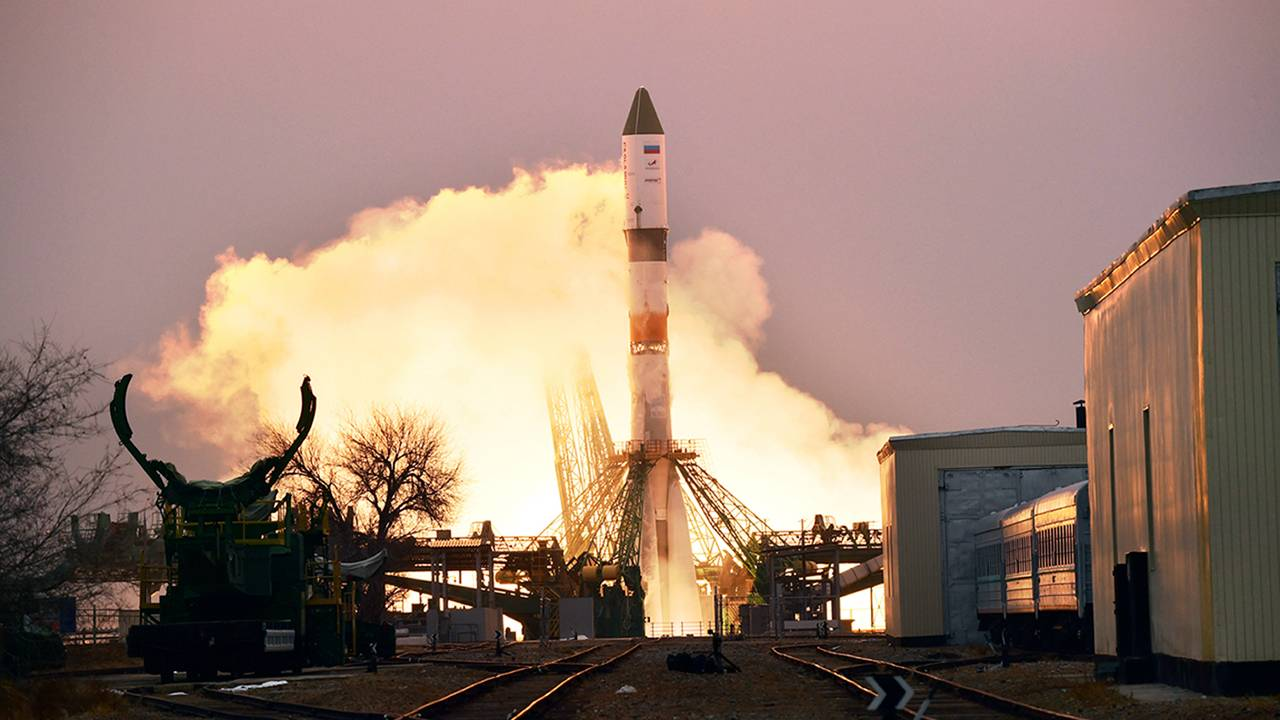 Russian spacecraft launches to the ISS carrying research astronaut supplies