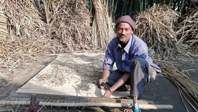 In a Nepali wetland a traditional craft helps a community earn a livelihood and keeps invasive weeds in check
