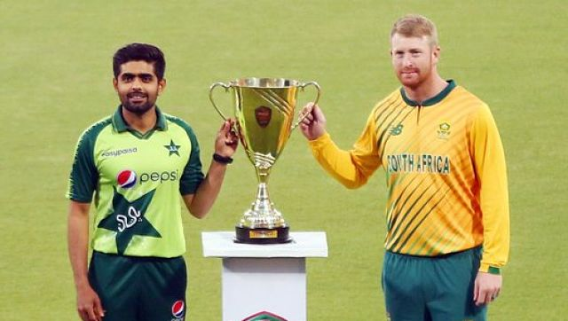 Pakistan captain Babar Azam with South Africa captain . Twitter/@TheRealPcb