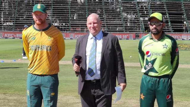 South Africa captain Heinrich Klaasen with his Pakistani counterpart Babar Azam at the toss in the first T20I. Image credit: Twitter/@TheRealPCB